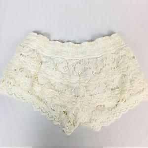 Abercrombie & Fitch White Crochet Lace Shortes